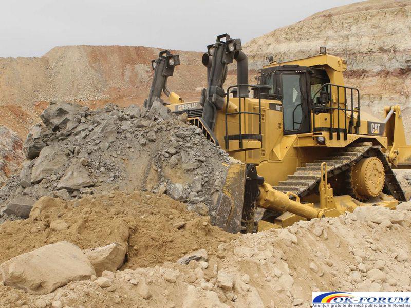 Inchiriez buldozer pentru profilare drumuri, nivelare terenuri - 1