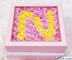 Cutie cadou trandafiri de sapun