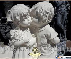 Statueta copilasi cu vaza de flori din beton model S45