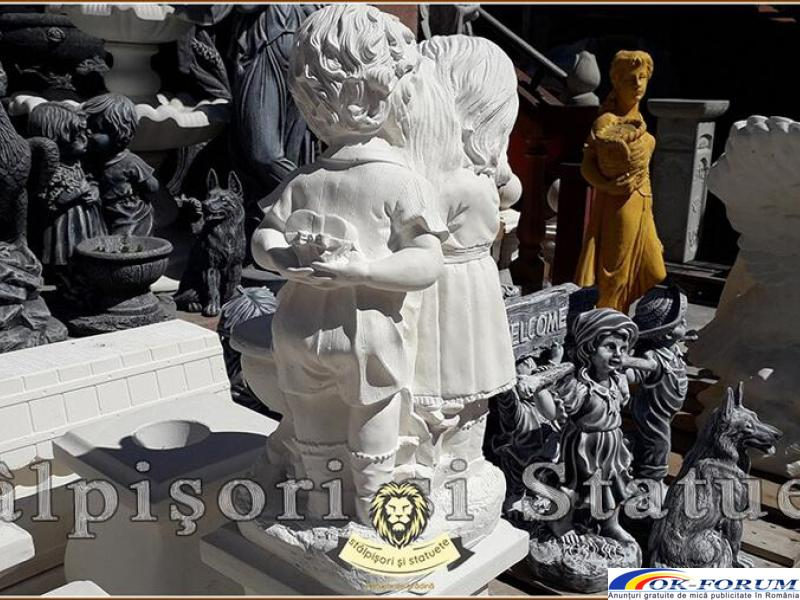 Statuetă copilași cu vază, din beton, model S45. - 4
