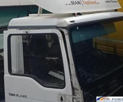 Paravant MAN TGM 18.240. Piese originale provenite din dezmembrari camioane